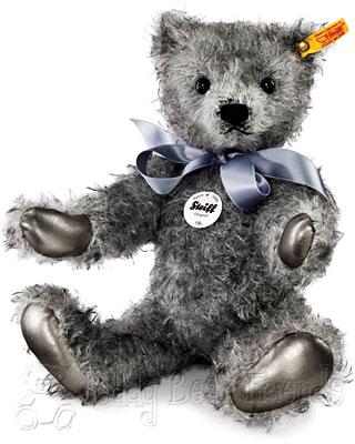 Steiff Classic Olly Teddy Bear
