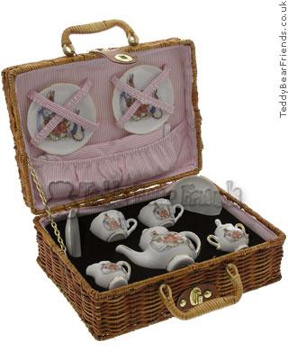 Reutter Porcelain Peter Rabbit Picnic Basket
