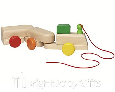 Selecta Wobble Train Pull Along Toy