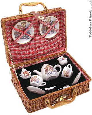 Reutter Porcelain Teddy Bear Picnic Basket